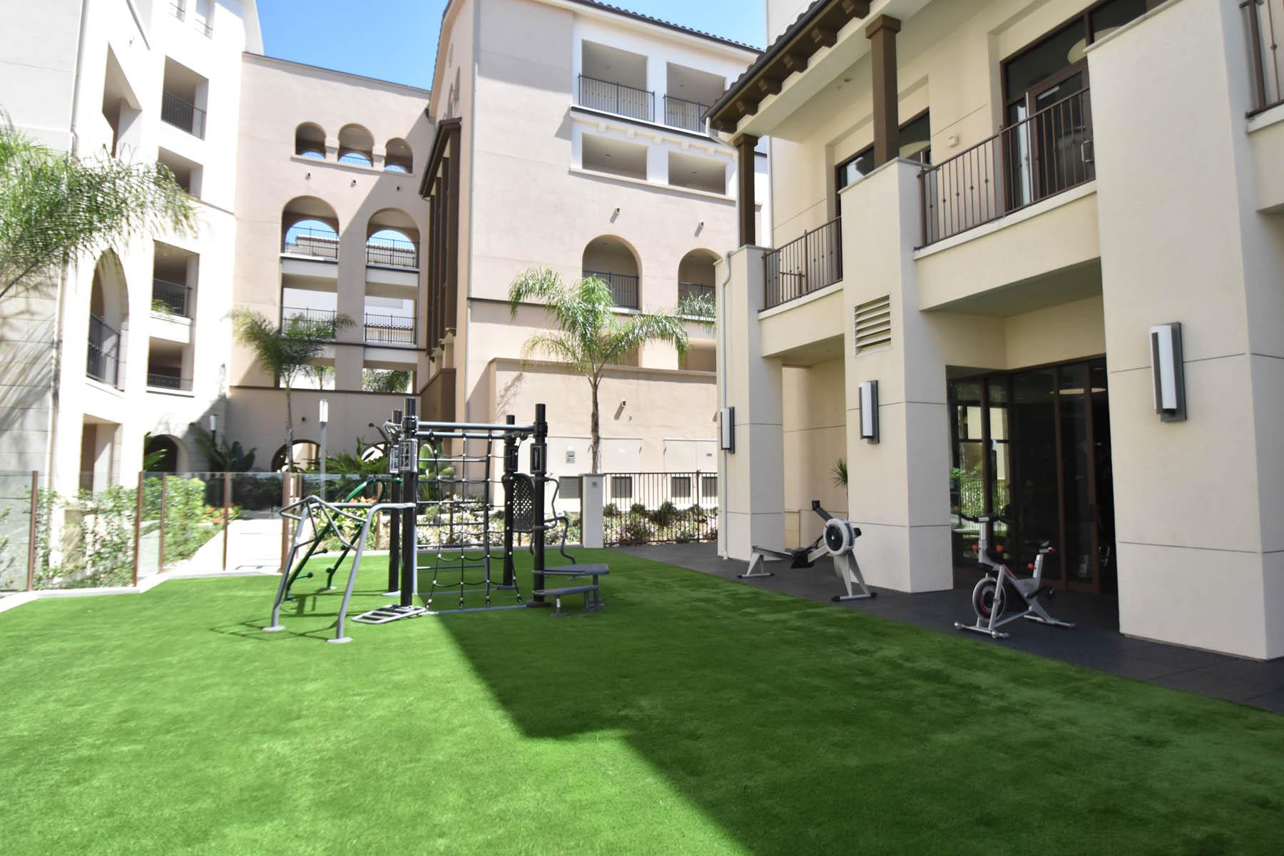Casa Mira View 1 2 & 3 Bedroom Apartments for Rent in Mira Mesa CA